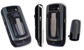 Das MoGo Talk Bluetooth Headset für das BlackBerry Javelin ist eine geniale Lösung bestehend aus einem superflachen Headset und einer am BlackBerry ansteckbaren Ladeschale und Halterung welche gleichzeitig als Schutzhülle dient.